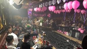 TP Hồ Chí Minh: Phát hiện 87 người dương tính với ma túy trong quán karaoke
