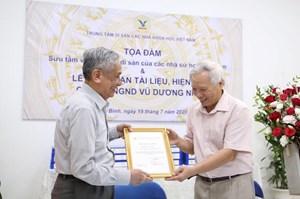 Tiếp nhận tài liệu, hiện vật của GS.NGND Vũ Dương Ninh