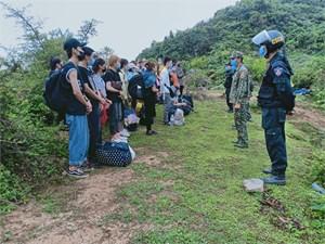Hà Giang xử lý hàng ngàn lượt người xuất, nhập cảnh trái phép
