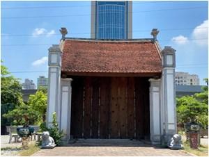Phục dựng lại cổng làng Mông Phụ