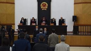 Hoãn phiên tòa xét xử cựu Bộ trưởng Vũ Huy Hoàng cùng các đồng phạm