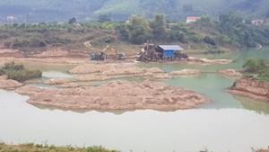 Bắt Phó Chánh văn phòng Sở GTVT Ninh Bình liên quan đến 'cát tặc'