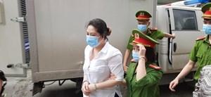 Xét xử vụ Công ty Nhật Cường: Áp giải các bị cáo đến toà