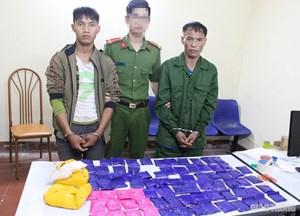 Sơn La: Bắt hai đối tượng mua bán hơn 15.000 viên ma túy tổng hợp