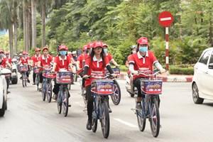 Đạp xe diễu hành hưởng ứng 'Tháng phòng chống cháy nổ 2020 '