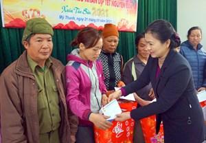 Huy động các nguồn lực hỗ trợ để người nghèo đón Tết đầm ấm