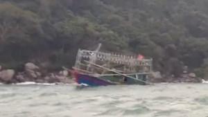 Quảng Ninh: Cứu nạn thành công 3 thuyền viên gặp nạn trên biển