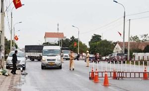 Từ 0h ngày 5/3, phương tiện vận tải hàng hóa liên tỉnh được lưu thông qua chốt kiểm soát cầu Vàng Chua