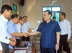 Chủ tịch Quốc hội Vương Đình Huệ kiểm tra công tác bầu cử tại TP Hải Phòng