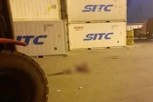 Hải Phòng: Thiếu quan sát, xe nâng hạ cán tử vong lái xe container trên bãi cảng