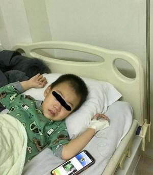 Hải Phòng:  Bé trai gần 3 tuổi cấp cứu do uống nhầm dầu hỏa