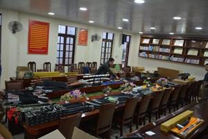 Quảng Ninh: Phát hiện 3 đối tượng tàng trữ gần 2.000 vũ khí, công cụ hỗ trợ