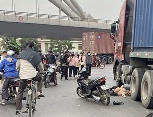 Hải Phòng: Va chạm với xe container 1 thai phụ tử vong tại chỗ