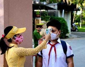 [ẢNH] Học sinh Thừa Thiên-Huế háo hức trở lại trường sau thời gian học online