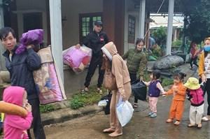 Huyện đảo Cồn Cỏ (Quảng Trị):  Khẩn cấp đưa quân dân vào hầm để tránh bão