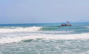 Quảng Nam: Tắm biển một học sinh lớp 6 đuối nước mất tích