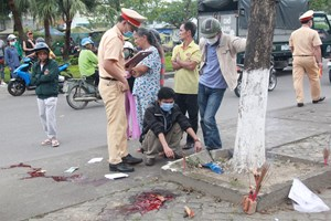 Quảng Nam: Tự tông vỉa hè, người chết, người chấn thương sọ não