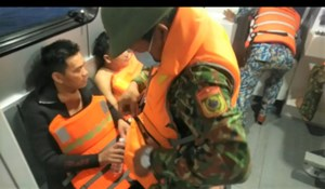Quảng Nam: Một tàu cá bị tông chìm trên biển