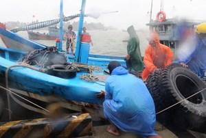 Quảng Nam, Quảng Ngãi nghiêm cấm tàu thuyền ra khơi