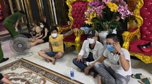 Quảng Nam: 8 nam thanh, nữ tú sử dụng ma túy trong quán karaoke