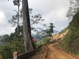 Quảng Nam: Đã thông tuyến vào xã cô lập ở huyện Phước Sơn