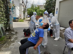 TP Hồ Chí Minh: Nỗ lực xét nghiệm 2 triệu mẫu trong 3 ngày