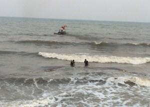 Bình Thuận: Đi tắm biển, 2 thanh niên bị sóng cuốn mất tích