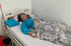 Vụ nữ sinh An Giang tự tử nghi vì bị kỷ luật oan: Đình chỉ công tác hiệu trưởng