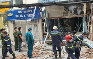 Tường rung chuyển, đổ sập sau tiếng nổ kinh hoàng lúc sáng sớm