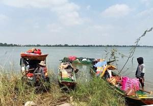 An Giang, Đồng Tháp, kịp thời ngăn chặn hàng chục người vượt biên trái phép bằng đường sông
