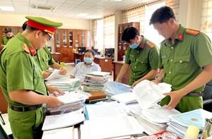 An Giang: Khởi tố, bắt tạm giam 3 cán bộ Chi Cục thuế