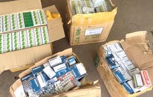 An Giang: Đột kích điểm tập kết hàng lậu, bắt số lượng lớn thuốc tân dược