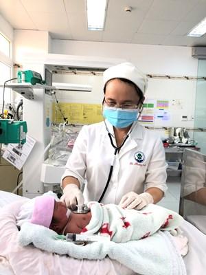 Hai bệnh viện phối hợp cứu sống mẹ con sản phụ bị viêm tuỵ cấp