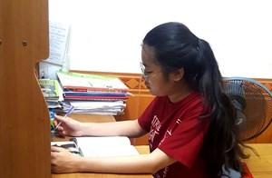 Kiên Giang: Nữ sinh nghèo có nghị lực phi thường sẽ được hỗ trợ 50% học phí đại học