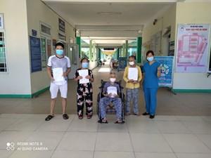 Đà Nẵng: Cho ra viện bệnh nhân Covid-19 trên 100 tuổi