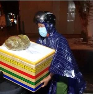Đà Nẵng: Công an phường làm 'bà đỡ' cho dân