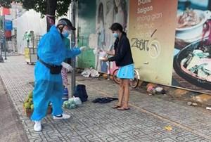 Chàng trai 'gọi là có mặt' làm việc thiện, giúp đỡ người nghèo