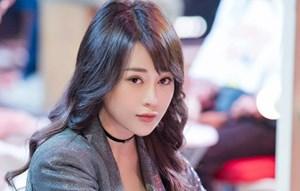Sao Việt rủ nhau 'biến hình' chào năm mới