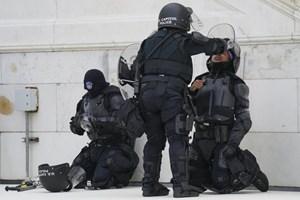 Mỹ: Một cảnh sát thiệt mạng sau cuộc bạo loạn ở Điện Capitol
