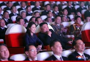 Vợ ông Kim Jong Un 'tái xuất' sau một năm vắng bóng