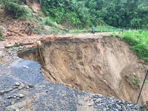 Phó Thủ tướng yêu cầu khẩn trương ứng phó, khắc phục hậu quả mưa lũ