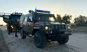 Lính Nga tiếp quản mỏ dầu tại Syria