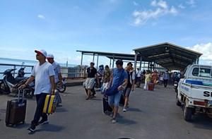 Thời tiết xấu, tàu cao tốc đi Phú Quốc tạm ngưng hoạt động