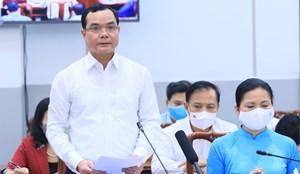 Công đoàn phối hợp với Chính phủ và UBTƯ MTTQ Việt Nam hỗ trợ người khó khăn