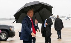 Báo Mỹ không cử phóng viên theo Trump vì sợ nCoV