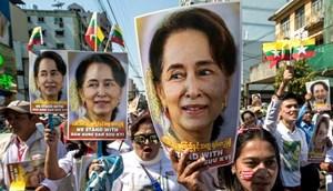 Myanmar chao đảo