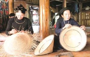 Nón lá - nét đẹp văn hóa Tày