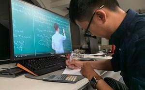 Trường đại học có thể dạy trực tuyến sau Tết