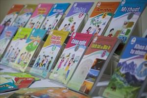 Bộ GDĐT cần tổ chức biên soạn một bộ sách giáo khoa đầy đủ