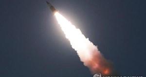 Triều Tiên bị nghi phóng tên lửa đạn đạo, 'nắn gân' chính quyền Biden